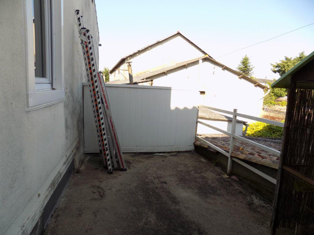 Appartement à vendre 4 130m2 à Parthenay vignette-10
