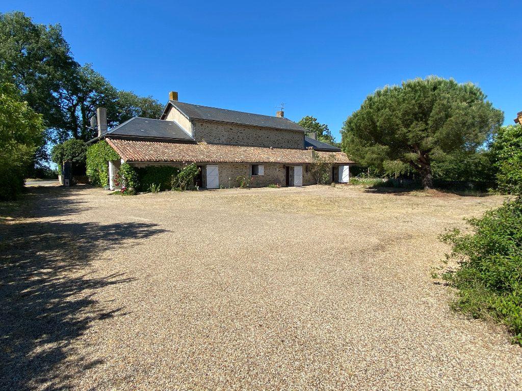 Maison à vendre 7 272m2 à Saint-Aubin-le-Cloud vignette-12