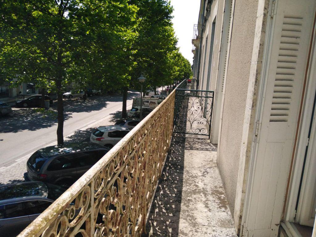 Appartement à louer 2 42m2 à Parthenay vignette-2