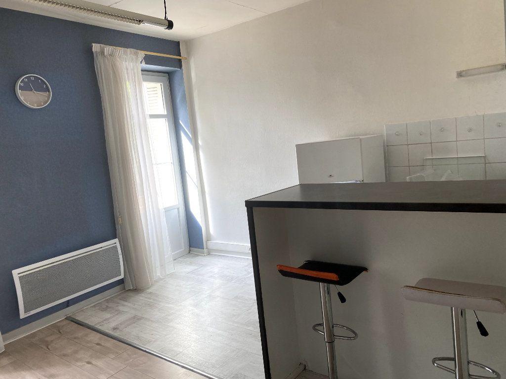 Appartement à louer 2 42m2 à Parthenay vignette-4