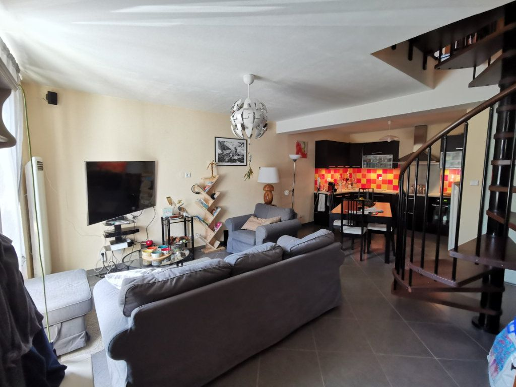 Maison à vendre 3 68m2 à Parthenay vignette-1
