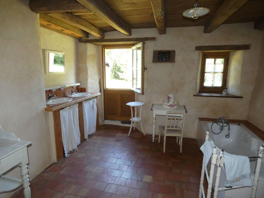 Maison à vendre 4 130m2 à Beaulieu-sous-Parthenay vignette-3