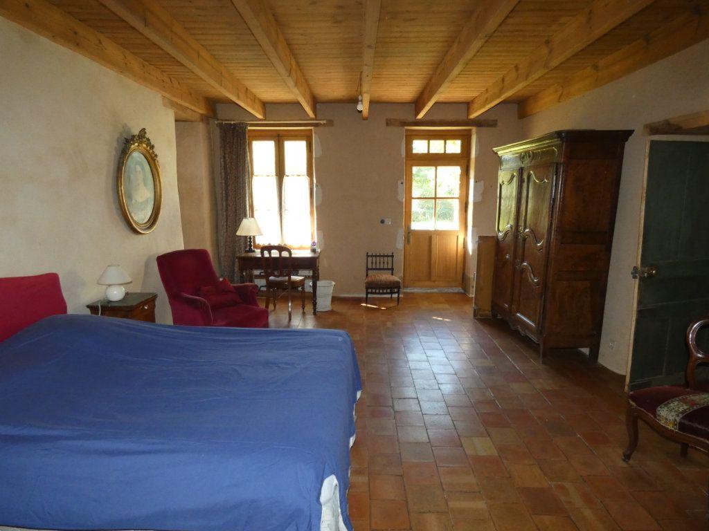 Maison à vendre 4 130m2 à Beaulieu-sous-Parthenay vignette-4