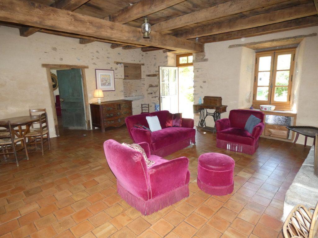Maison à vendre 4 130m2 à Beaulieu-sous-Parthenay vignette-5