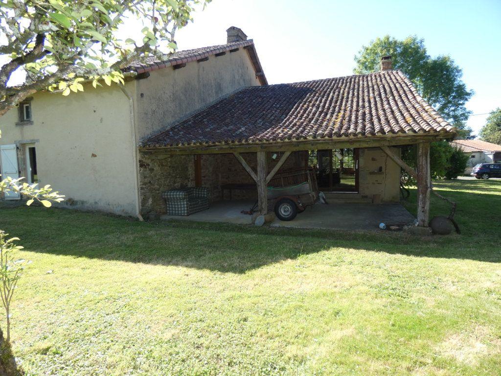 Maison à vendre 4 130m2 à Beaulieu-sous-Parthenay vignette-10