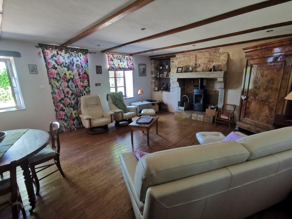 Maison à vendre 6 198.48m2 à Vasles vignette-9