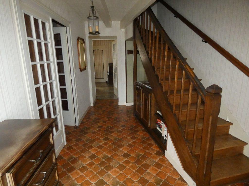 Maison à vendre 4 105.47m2 à Châtillon-sur-Thouet vignette-6