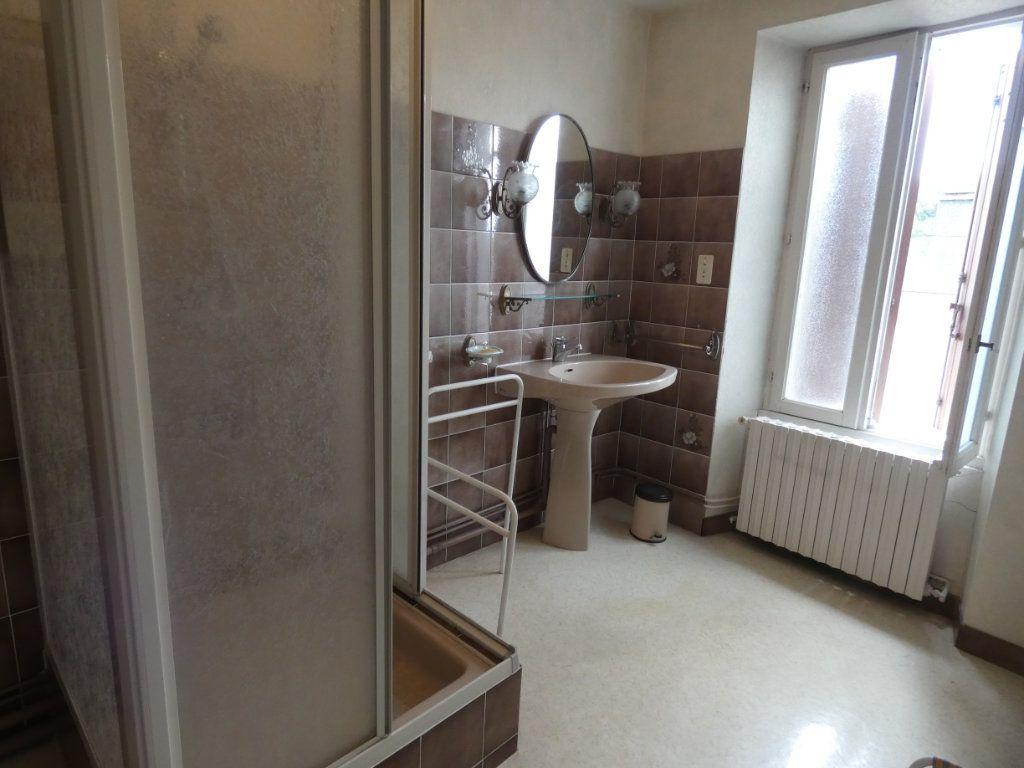 Maison à vendre 4 105.47m2 à Châtillon-sur-Thouet vignette-8