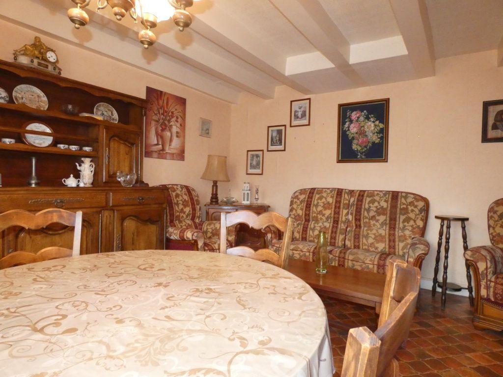 Maison à vendre 4 105.47m2 à Châtillon-sur-Thouet vignette-12