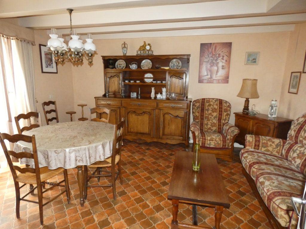 Maison à vendre 4 105.47m2 à Châtillon-sur-Thouet vignette-13