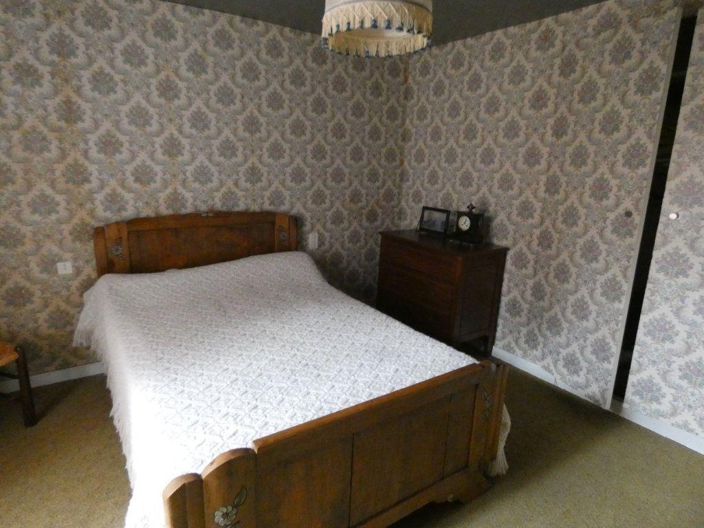 Maison à vendre 4 105.47m2 à Châtillon-sur-Thouet vignette-15