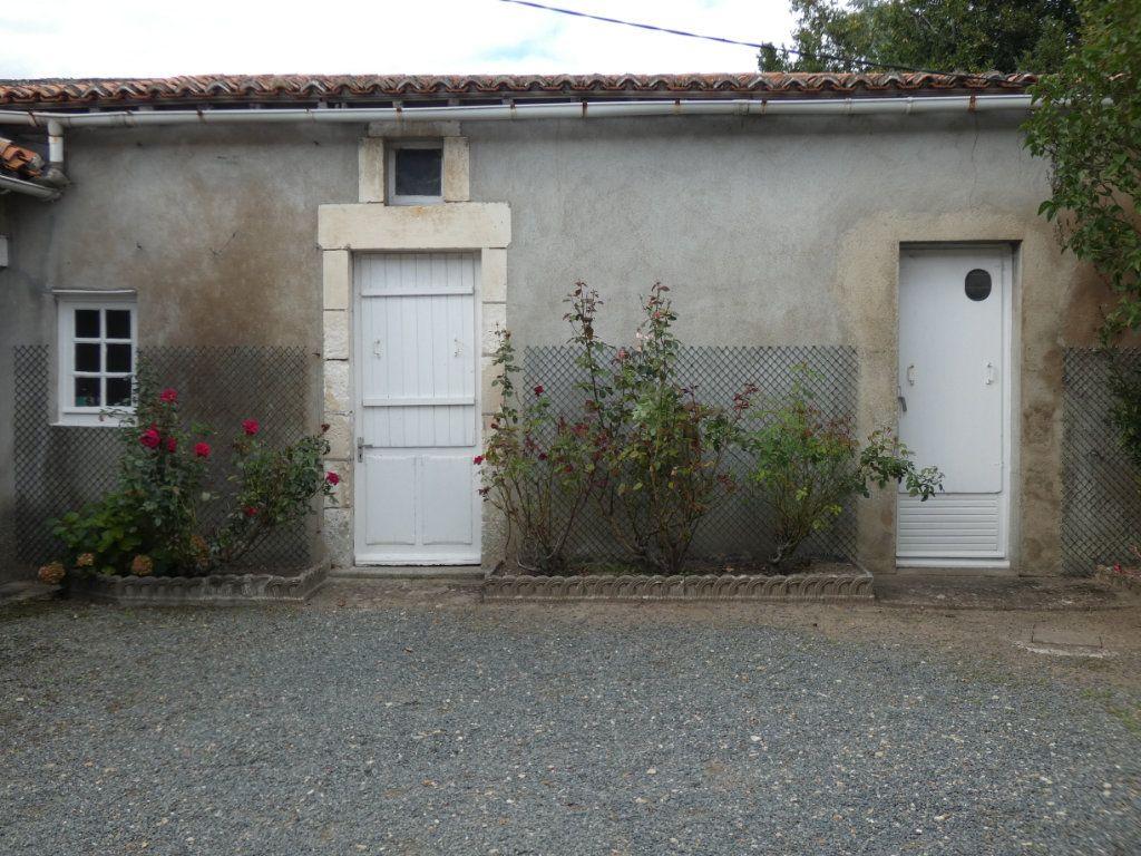 Maison à vendre 4 105.47m2 à Châtillon-sur-Thouet vignette-20
