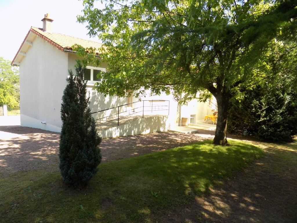 Maison à vendre 3 70m2 à Azay-sur-Thouet vignette-1