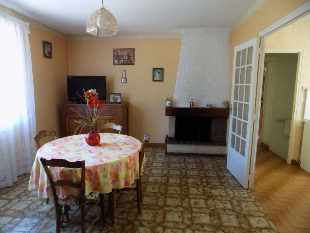 Maison à vendre 3 70m2 à Azay-sur-Thouet vignette-2