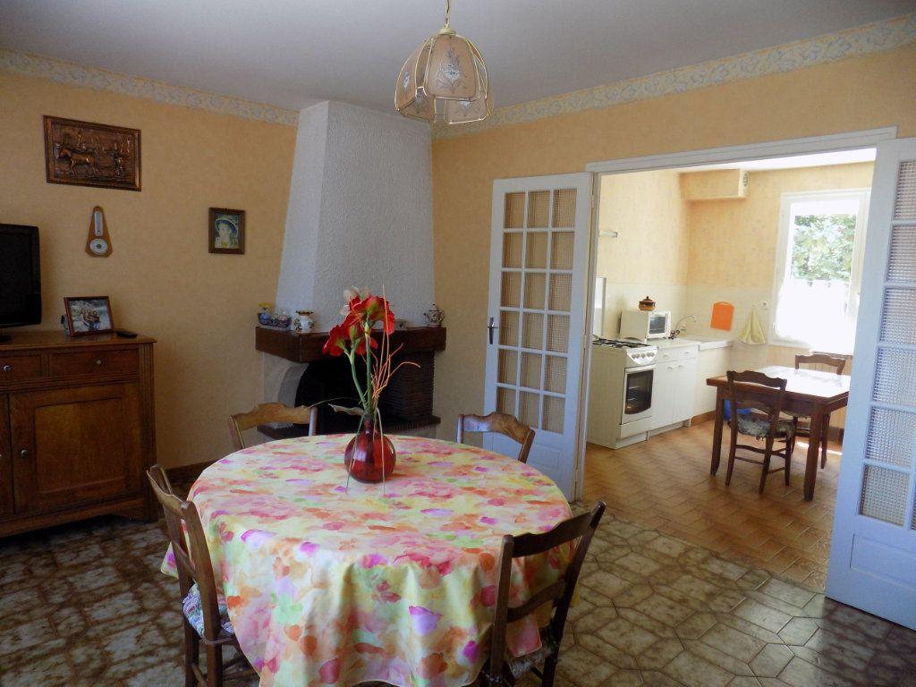 Maison à vendre 3 70m2 à Azay-sur-Thouet vignette-3