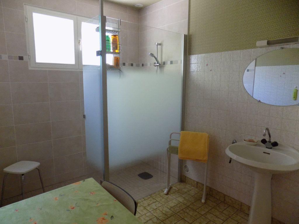 Maison à vendre 3 70m2 à Azay-sur-Thouet vignette-4