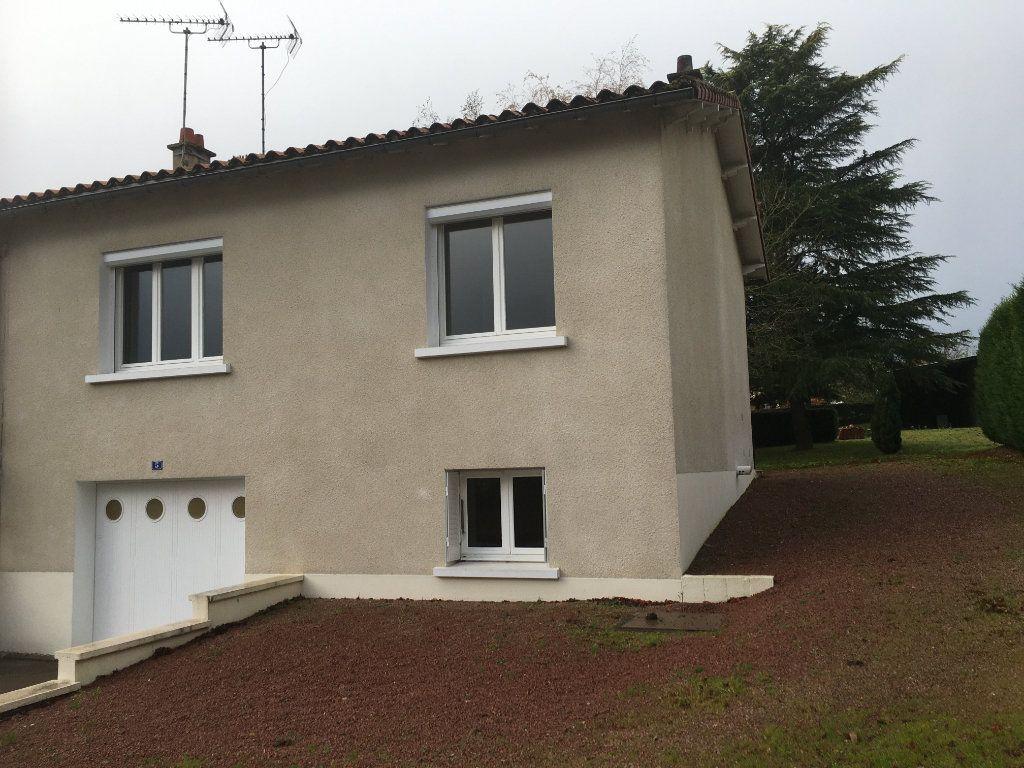 Maison à vendre 3 70m2 à Azay-sur-Thouet vignette-9