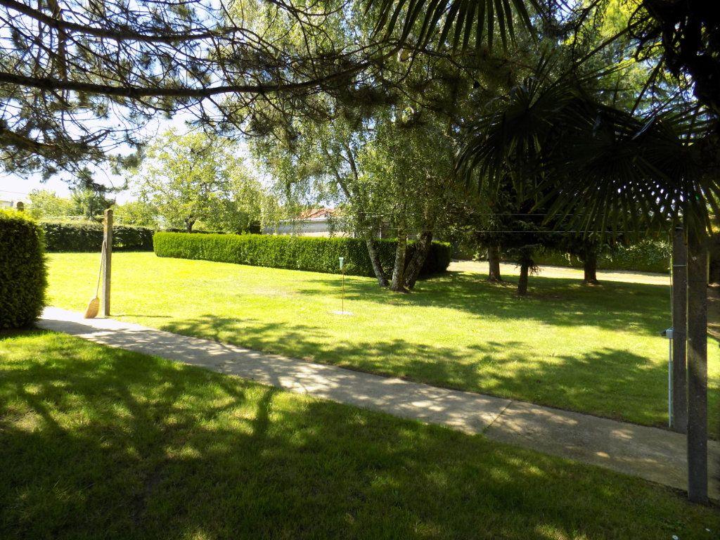 Maison à vendre 5 90m2 à Azay-sur-Thouet vignette-2