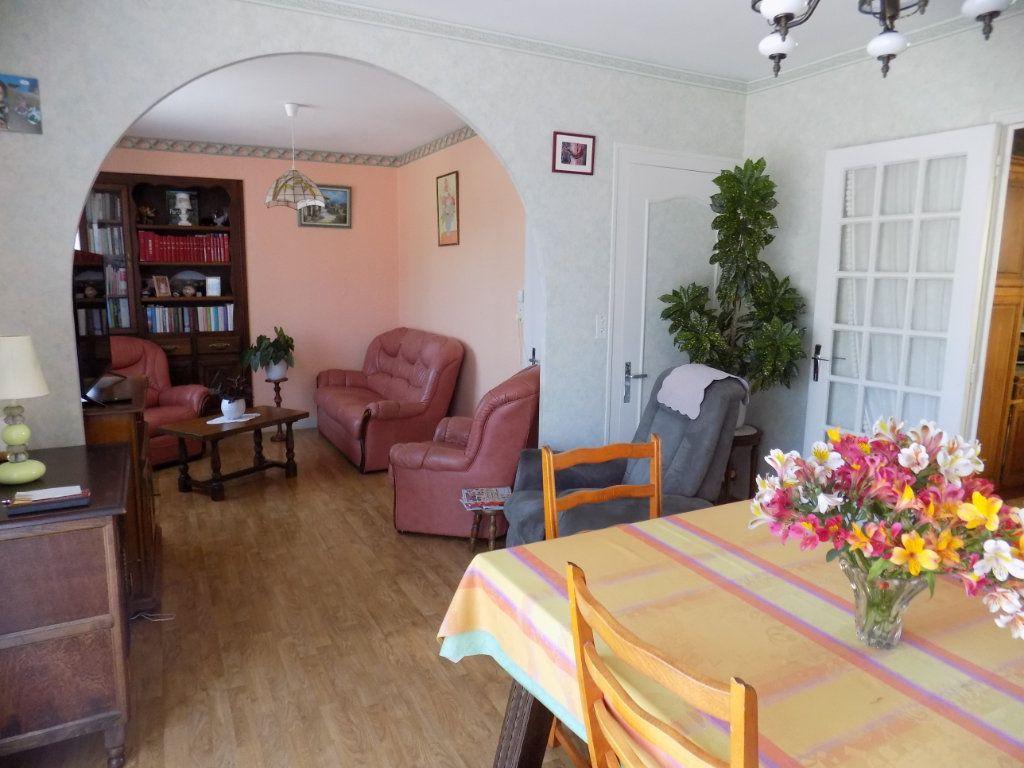 Maison à vendre 5 90m2 à Azay-sur-Thouet vignette-4
