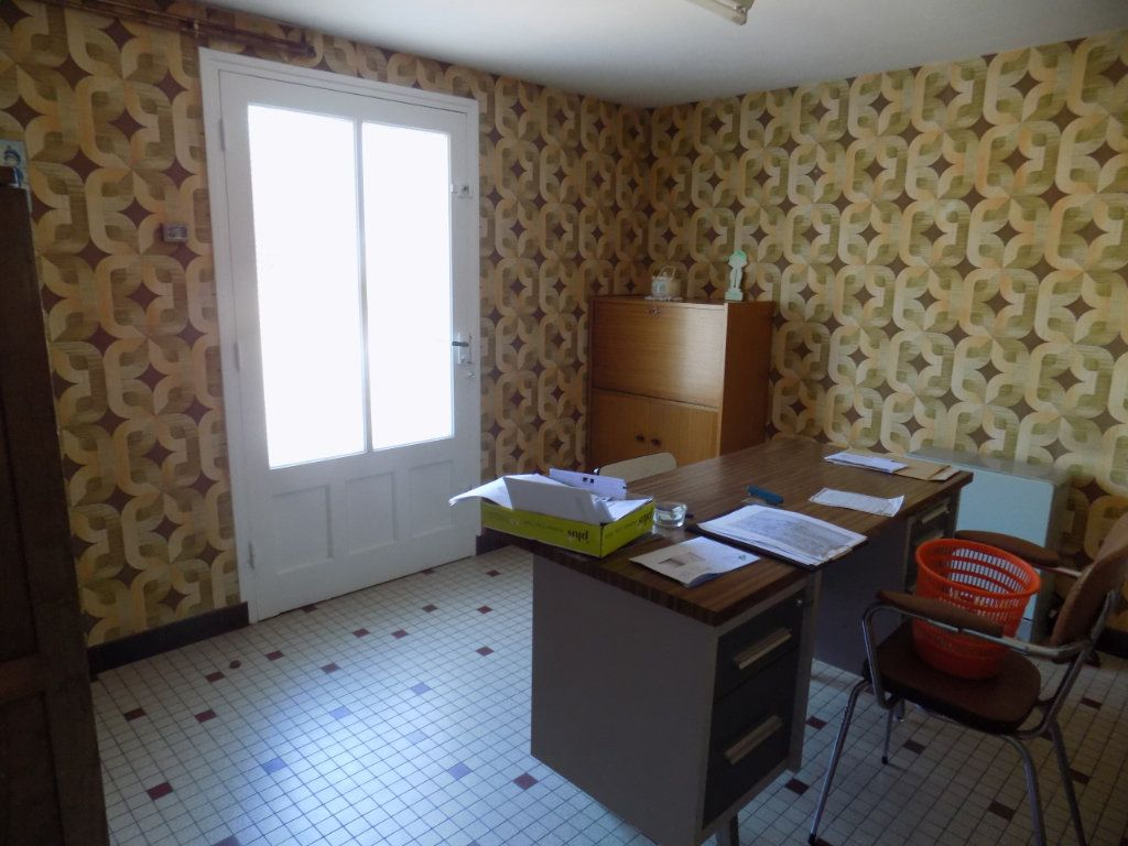 Maison à vendre 5 90m2 à Azay-sur-Thouet vignette-9