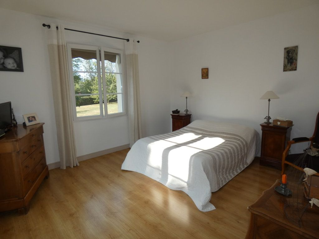 Maison à vendre 7 225m2 à Saint-Pardoux vignette-9