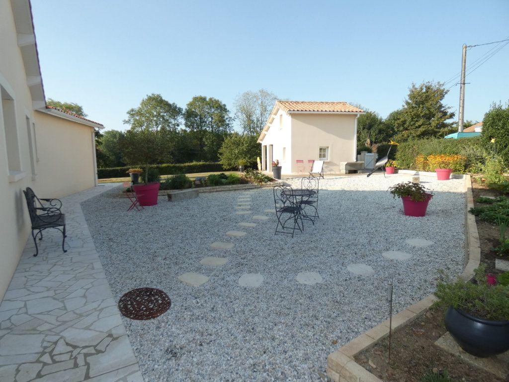 Maison à vendre 7 225m2 à Saint-Pardoux vignette-17