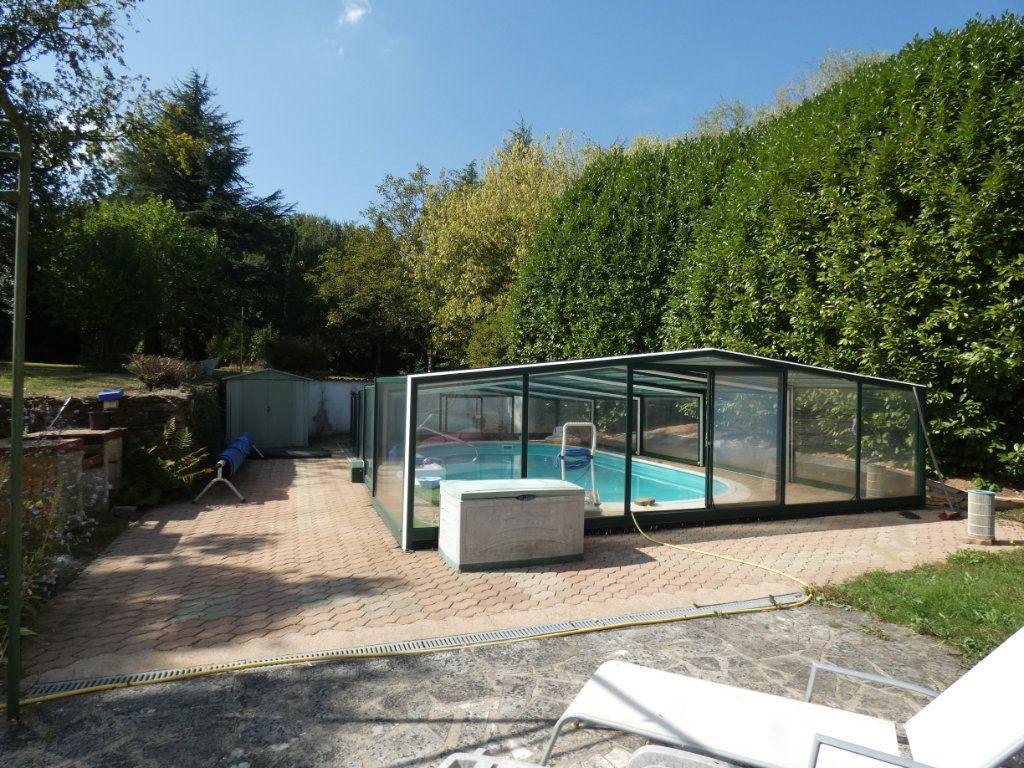 Maison à vendre 8 274.25m2 à Secondigny vignette-2