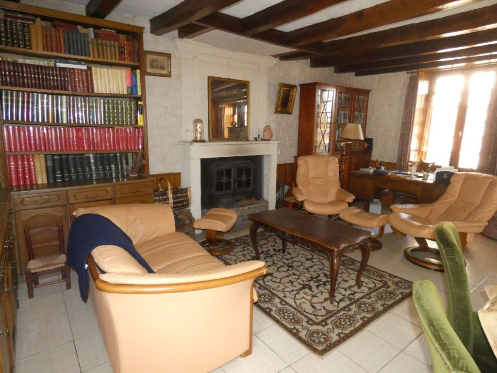 Maison à vendre 8 274.25m2 à Secondigny vignette-5
