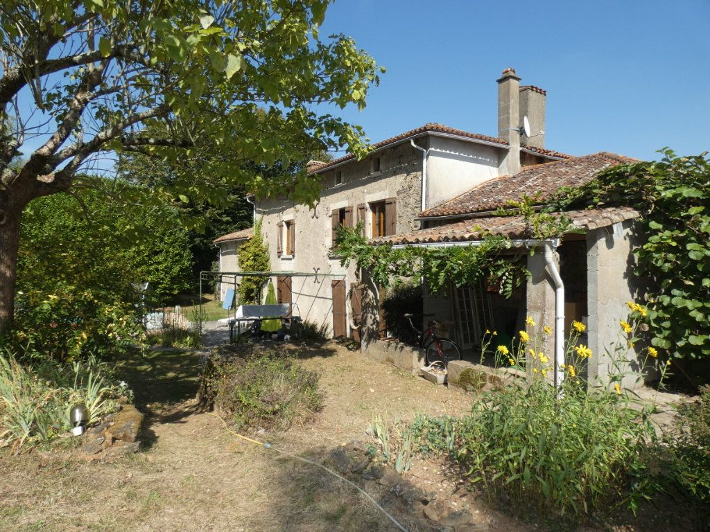 Maison à vendre 8 274.25m2 à Secondigny vignette-18