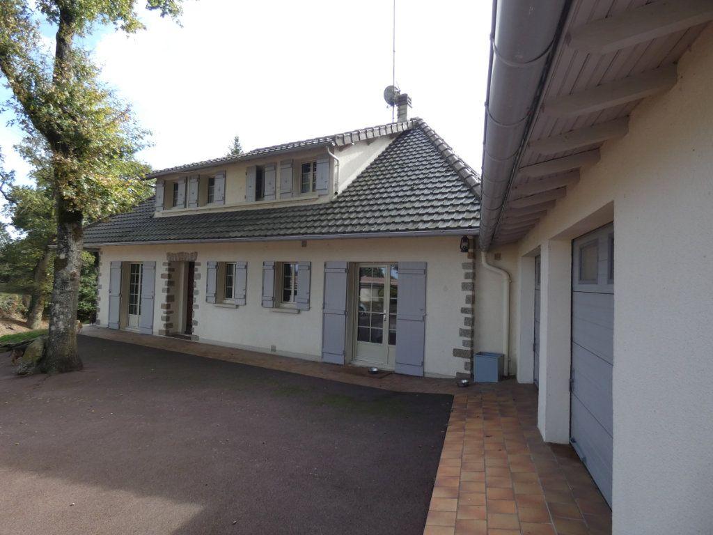 Maison à vendre 7 150m2 à Parthenay vignette-2