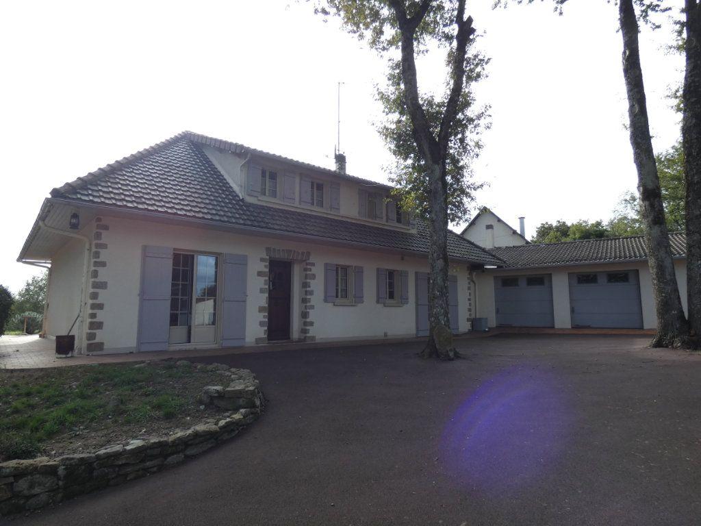 Maison à vendre 7 150m2 à Parthenay vignette-10