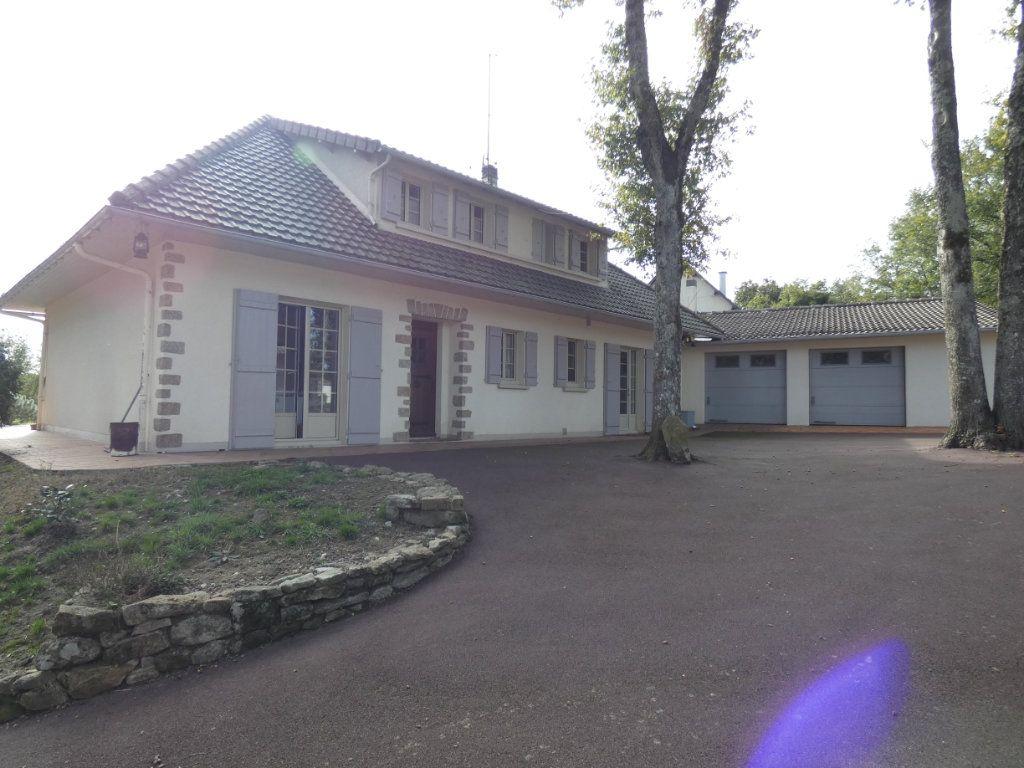 Maison à vendre 7 150m2 à Parthenay vignette-11