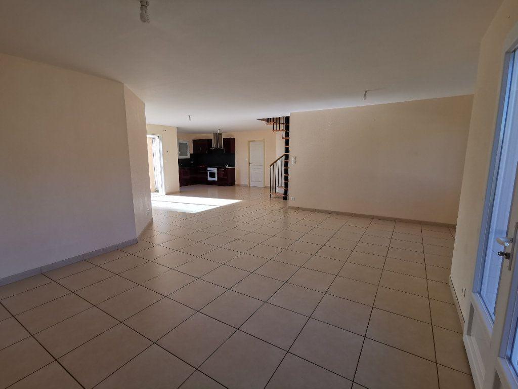 Maison à vendre 5 146m2 à Chiché vignette-3