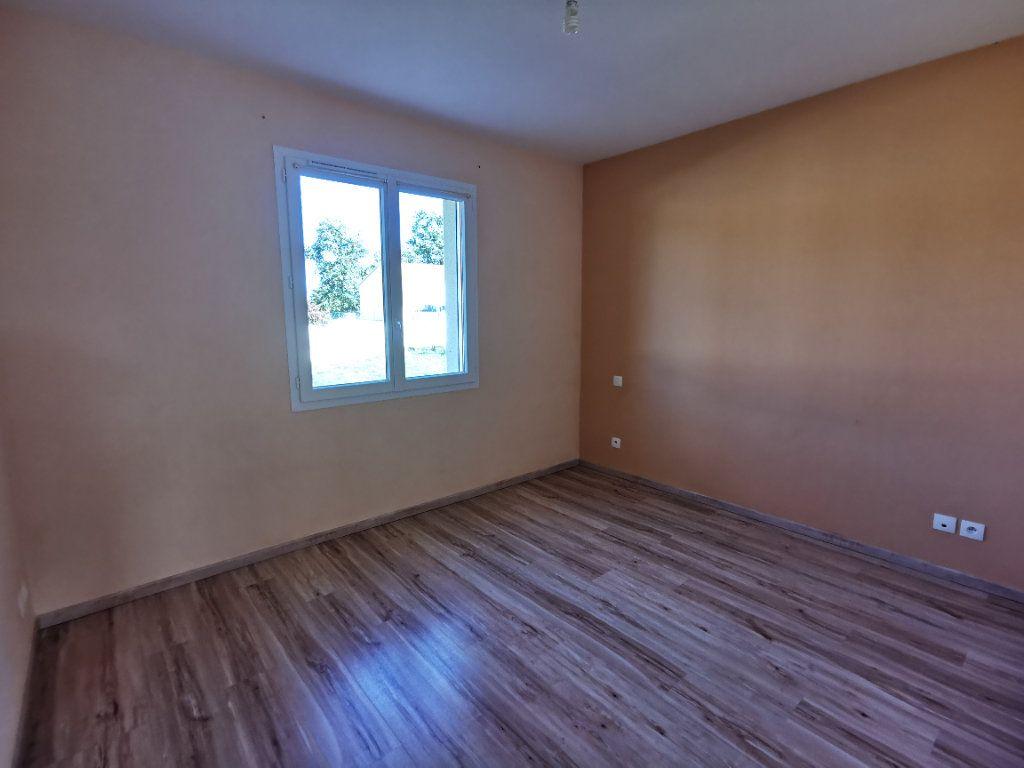 Maison à vendre 5 146m2 à Chiché vignette-6