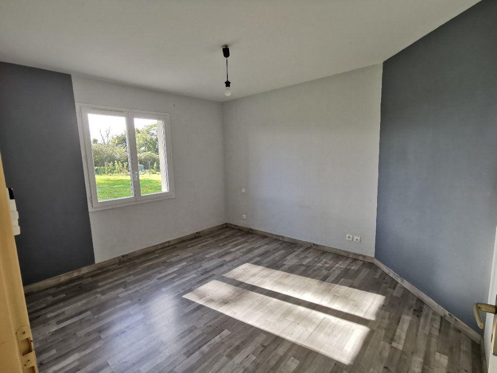 Maison à vendre 5 146m2 à Chiché vignette-9