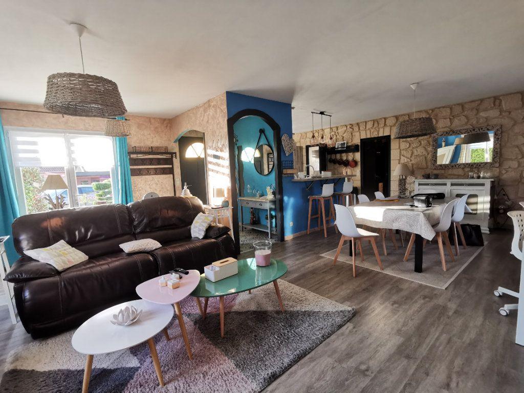 Maison à vendre 5 125m2 à Amailloux vignette-3