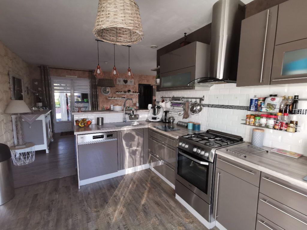 Maison à vendre 5 125m2 à Amailloux vignette-11