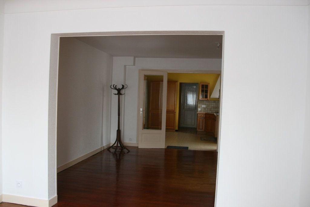 Maison à vendre 4 91m2 à Parthenay vignette-3