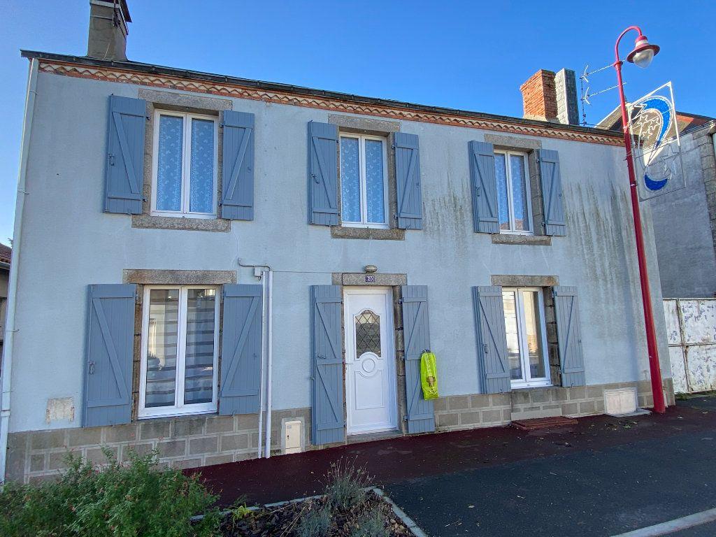 Maison à vendre 5 125m2 à Saint-Germain-de-Longue-Chaume vignette-1