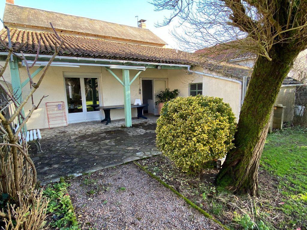 Maison à vendre 5 125m2 à Saint-Germain-de-Longue-Chaume vignette-2