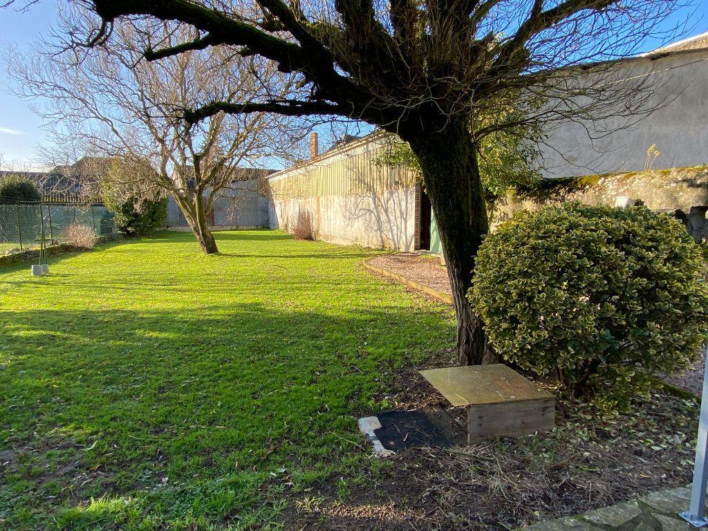 Maison à vendre 5 125m2 à Saint-Germain-de-Longue-Chaume vignette-3