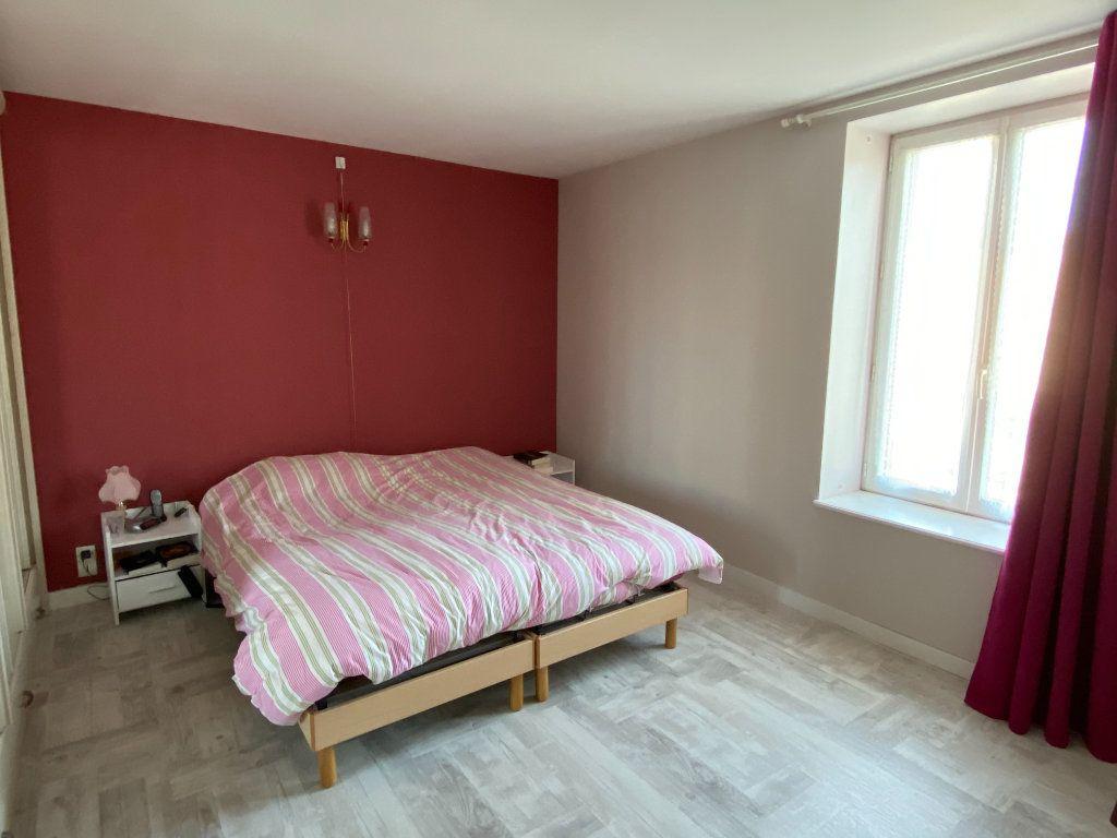 Maison à vendre 5 125m2 à Saint-Germain-de-Longue-Chaume vignette-6