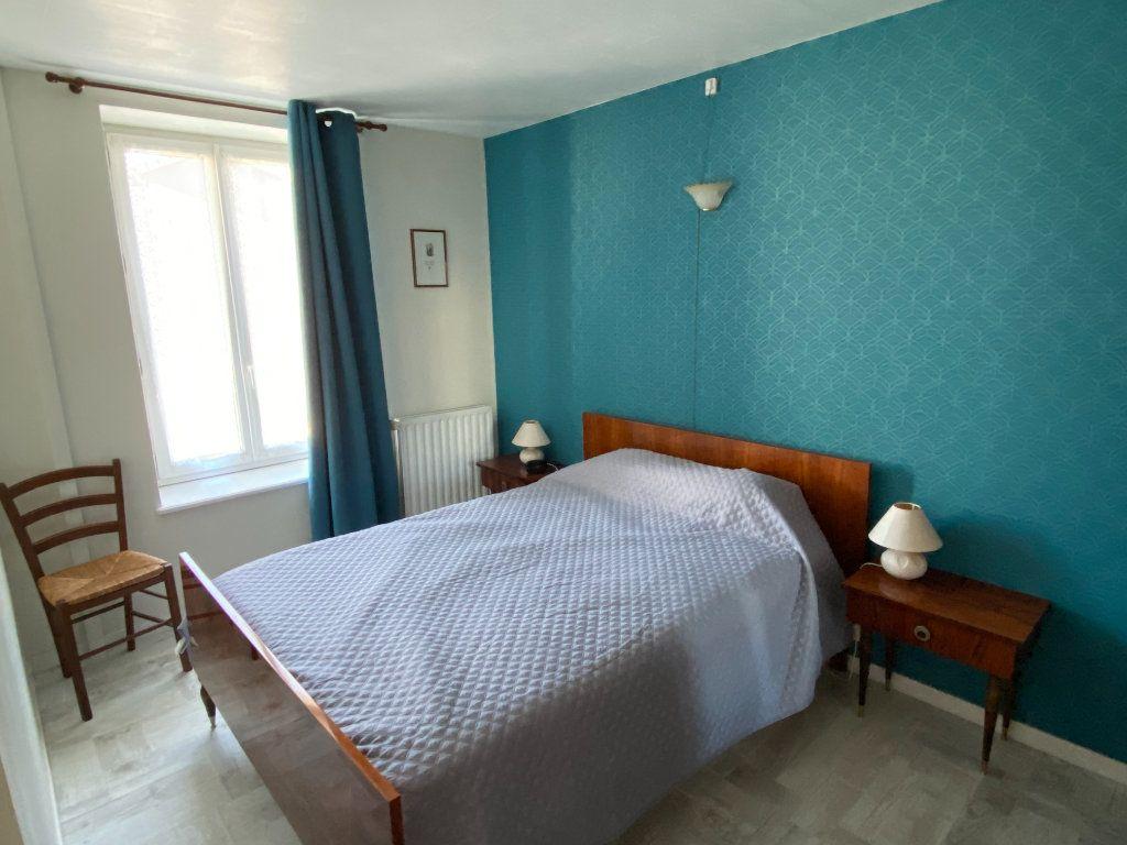 Maison à vendre 5 125m2 à Saint-Germain-de-Longue-Chaume vignette-7