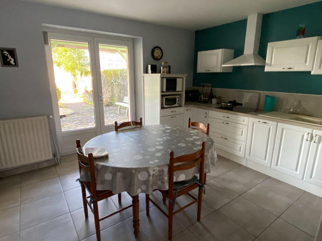 Maison à vendre 5 125m2 à Saint-Germain-de-Longue-Chaume vignette-8