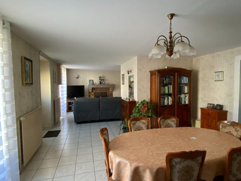 Maison à vendre 5 125m2 à Saint-Germain-de-Longue-Chaume vignette-9