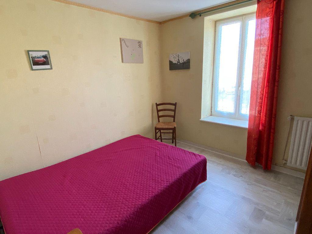 Maison à vendre 5 125m2 à Saint-Germain-de-Longue-Chaume vignette-11