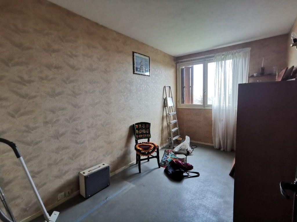 Appartement à vendre 4 75m2 à Parthenay vignette-7