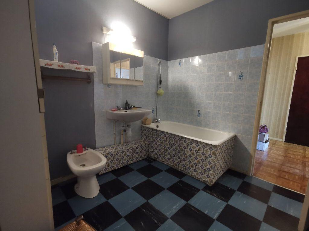 Appartement à vendre 4 75m2 à Parthenay vignette-9