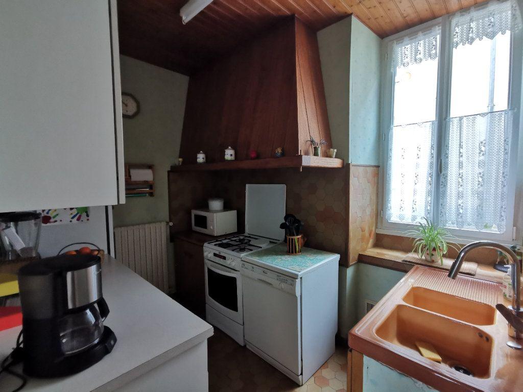 Maison à vendre 7 180m2 à Chiché vignette-6