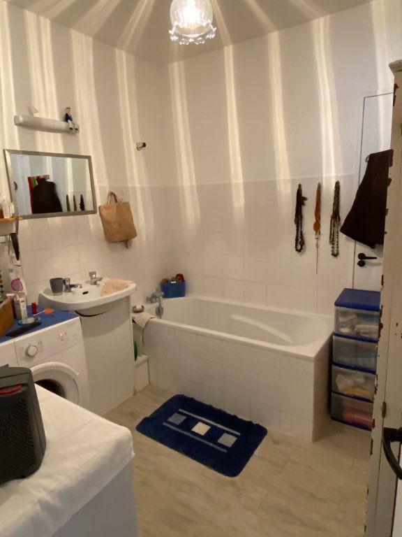 Appartement à vendre 3 63.45m2 à Parthenay vignette-6